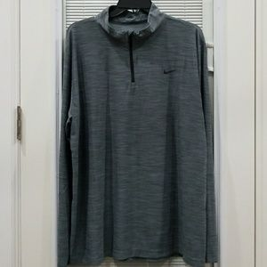 Nike men's 1/2 zip pullover. Size XL. NWT